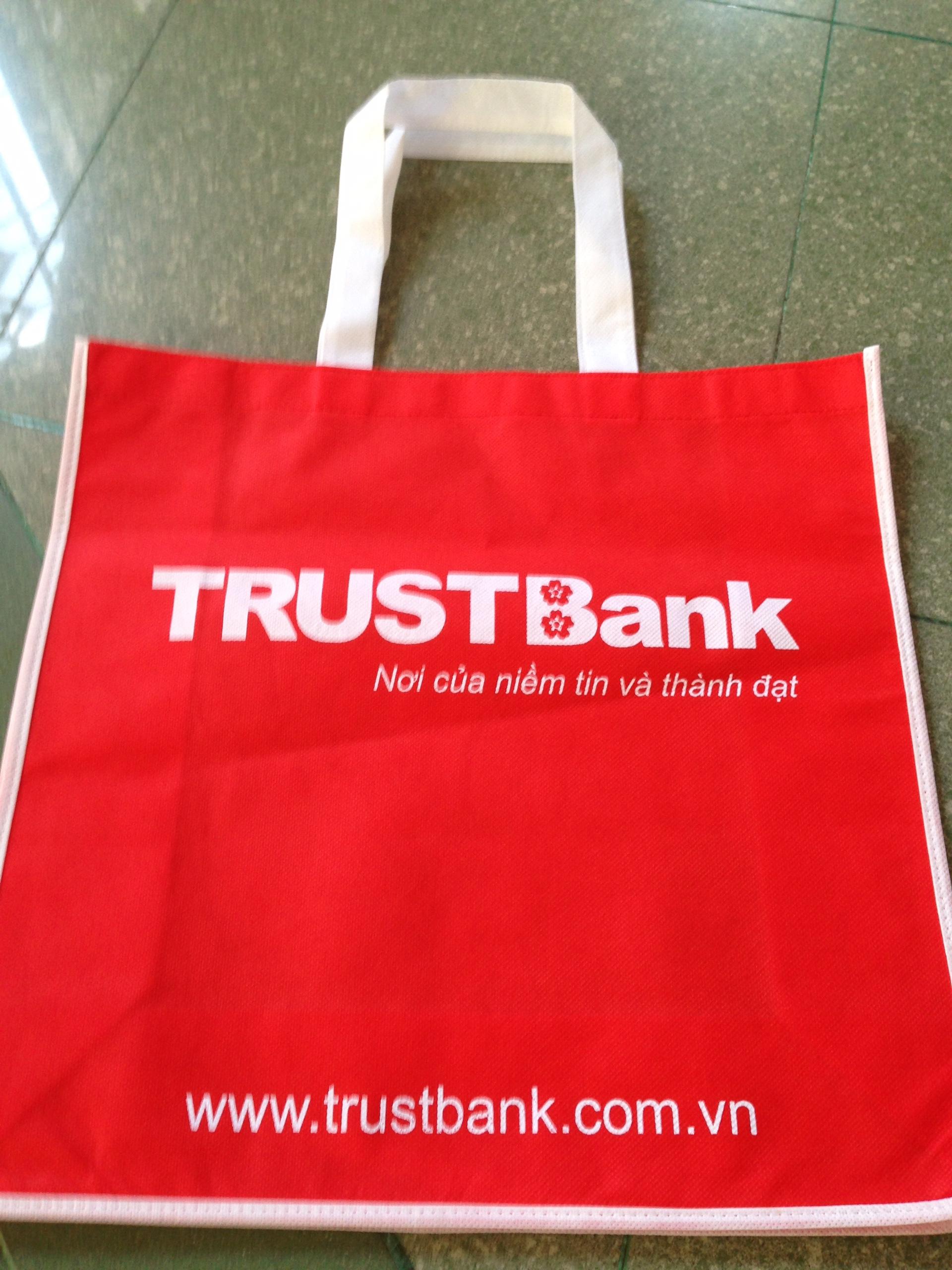 tui-vai-khong-det-mau-trustbank